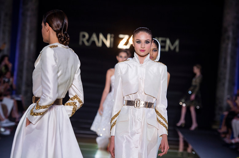 RANI_ZAKHEM_couture_collection_automne_hiver___fall_winter_2018-2019_PFW_-_©_Imaxtree_57.jpg