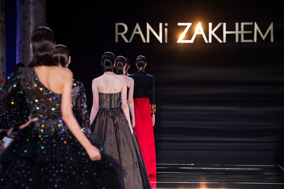 RANI_ZAKHEM_couture_collection_automne_hiver___fall_winter_2018-2019_PFW_-_©_Imaxtree_62.jpg