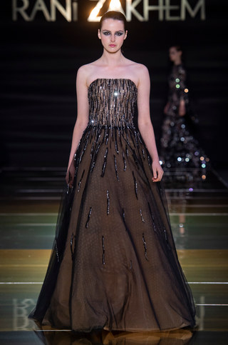 RANI_ZAKHEM_couture_collection_automne_hiver___fall_winter_2018-2019_PFW_-_©_Imaxtree_45.jpg