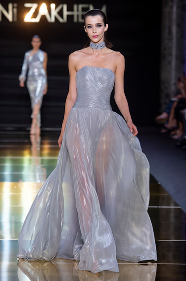 RANI_ZAKHEM_couture_collection_automne_hiver___fall_winter_2018-2019_PFW_-_©_Imaxtree_25.jpg