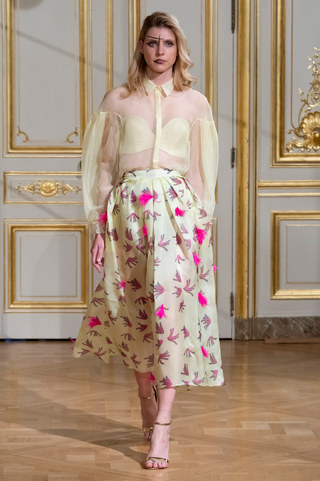 ARMINE_OHANYAN_photos_defile___fashion_show__Elements__couture_collection_automne_hiver___fall_winter_2018_2019_PFW_-_©_Imaxtree_1.jpg