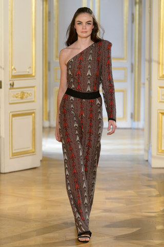 MARIA_ARISTIDOU_photos_defile___fashion_show__Serendipity__couture_collection_automne_hiver___fall_winter_2018_2019_PFW_-_©_Imaxtree_3.jpg