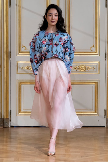ARMINE_OHANYAN_photos_defile___fashion_show__Elements__couture_collection_automne_hiver___fall_winter_2018_2019_PFW_-_©_Imaxtree_8.jpg