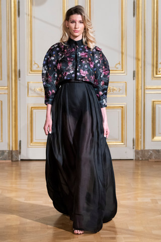 ARMINE_OHANYAN_photos_defile___fashion_show__Elements__couture_collection_automne_hiver___fall_winter_2018_2019_PFW_-_©_Imaxtree_14.jpg