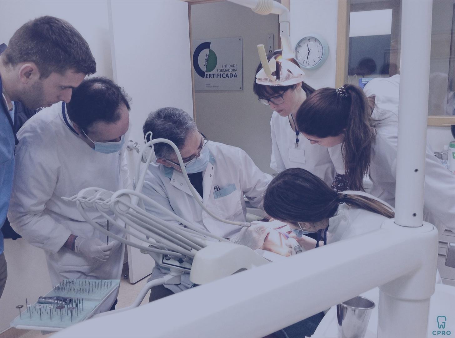 Curso de Estética Dentária com Cerâmica Pura
