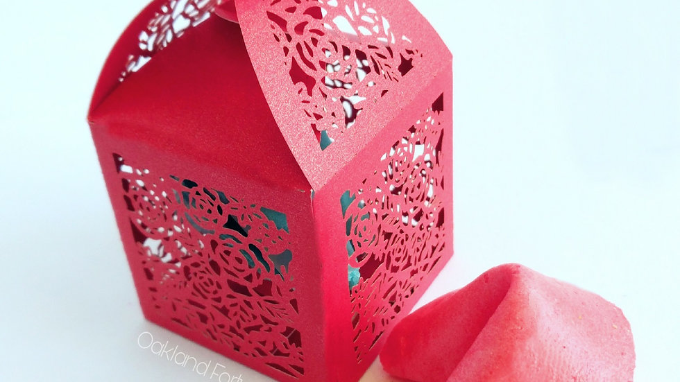 RED BUTTERFLY GIFT BOX