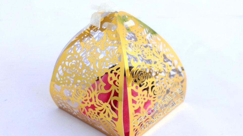 GOLDEN ROSE GIFT BOX