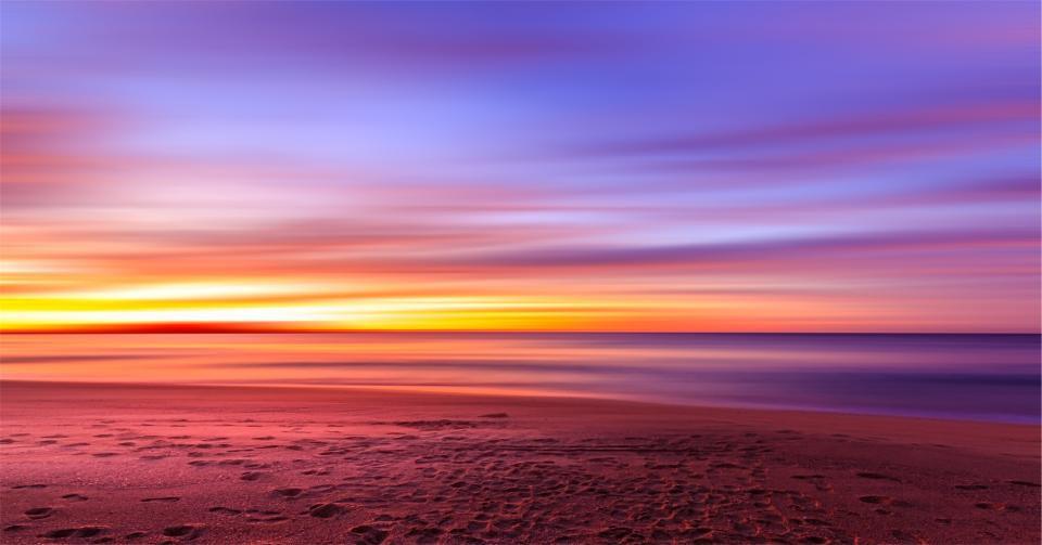 sunset-purple_RSZ1ZLB48J.jpg