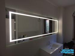 specchio con led
