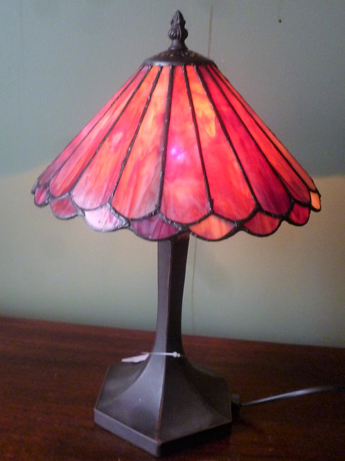 "10"" red reproduction leadlight table lamp"