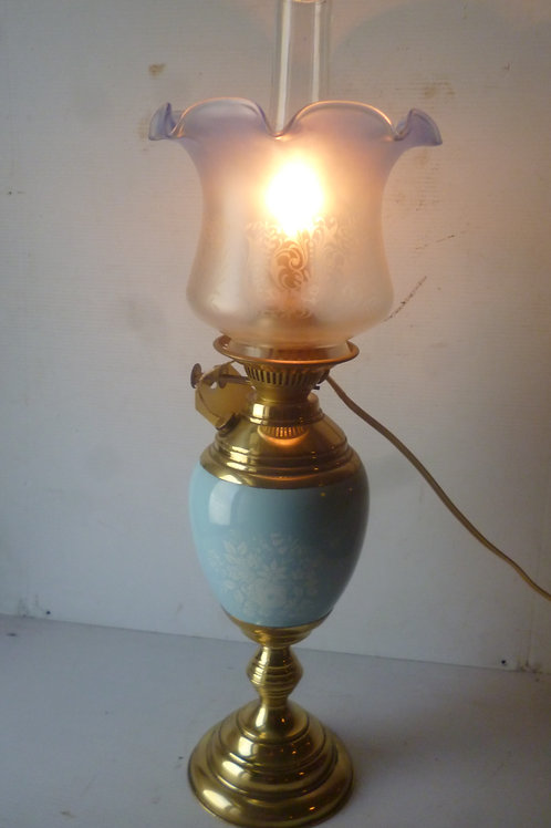 Banquet oil lamp converted to electricity
