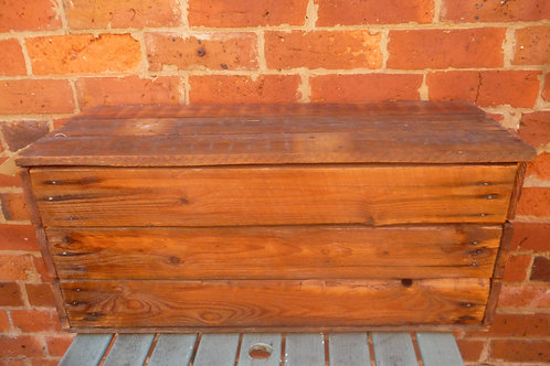 Trunk made of recycled baltic pine