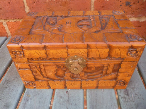 Small carved camphor wood box