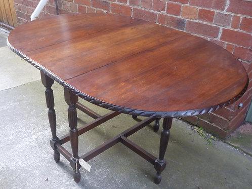 Oak oval gate leg table