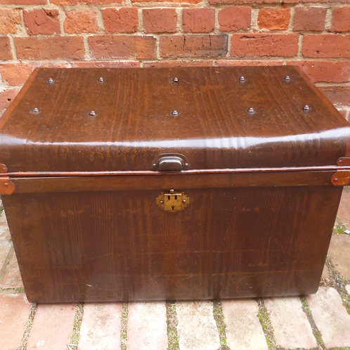Tin trunk restored with original paintwork