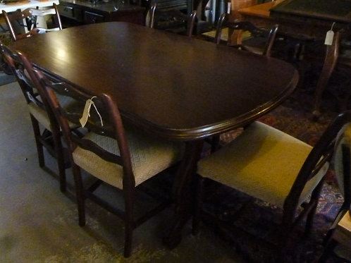 Period mahogany dining table and 6 chairs