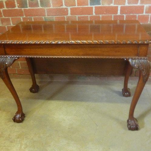 Vintage Tas oak dropside table