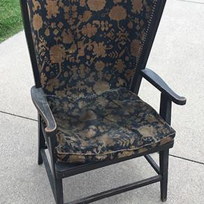 "Un ""U""sual Chair"