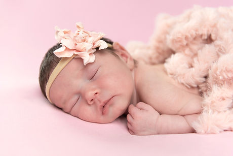 best newborn baby photography by Alicia