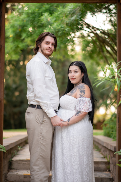 Maternity and couples photography under