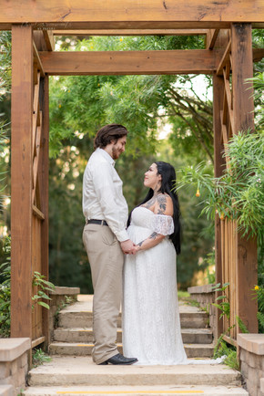 Highly Recommended Maternity Photographer in Northern Virginia