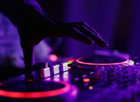 Radio de música electrónica por internet
