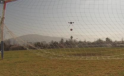 droneHAciendoGol.png