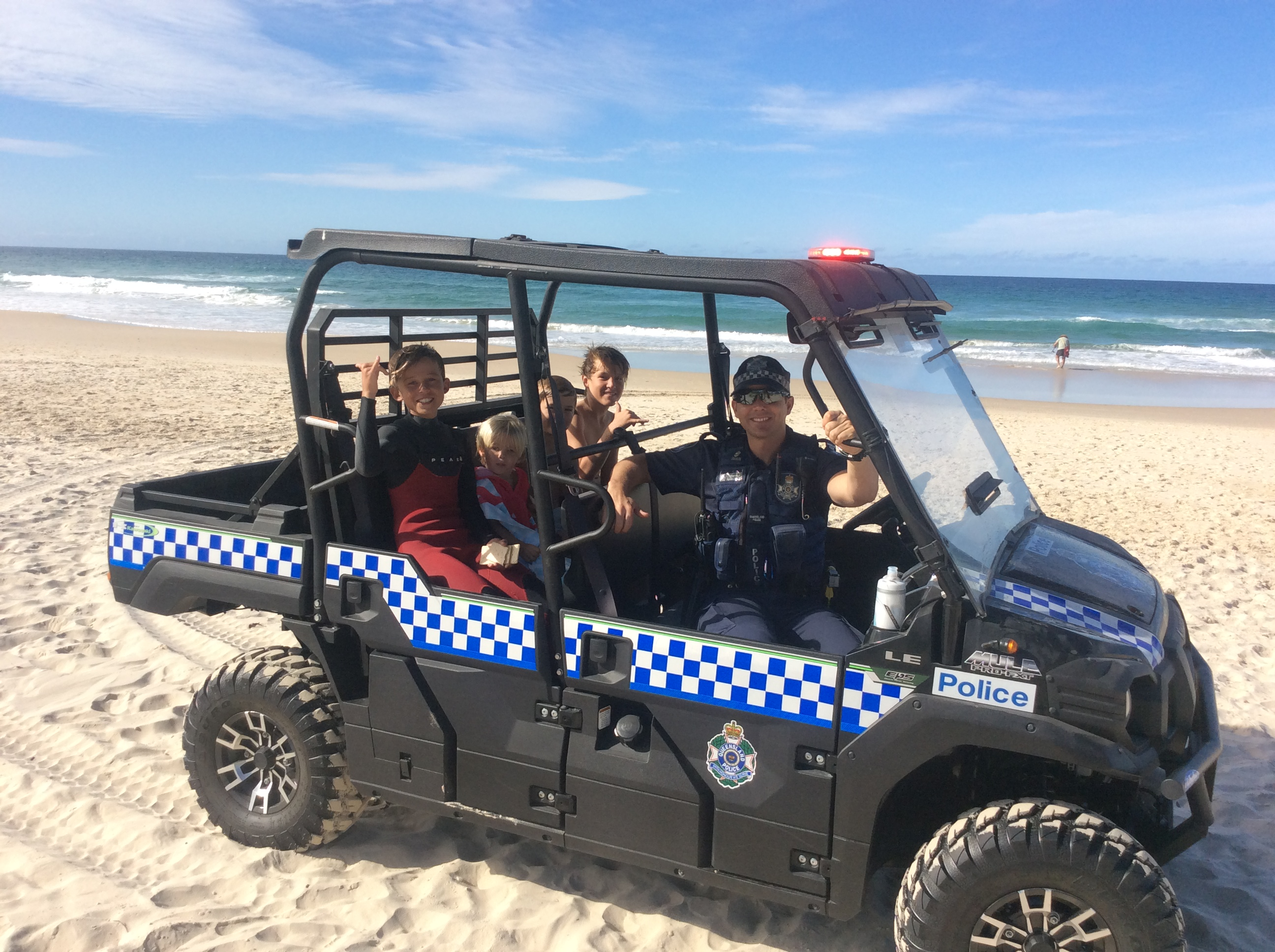 QLD POLICE MULE ON GOLD COAST