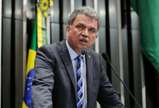 PROJETO DE LEI QUE ISENTA PROFESSOR DE DECLARAR IMPOSTO DE RENDA TRAMITA NA CÂMARA