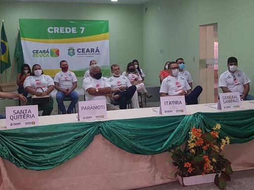 PREFEITO DE ITATIRA PARTICIPA DE EVENTO DO GOVERNO DO ESTADO E ASSINA PACTO PELA APRENDIZAGEM