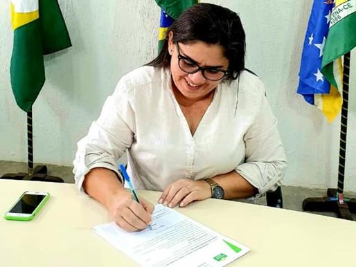 SÔNIA COSTA SANCIONA LEI DE ADESÃO AO CONSÓRCIO PÚBLICO PARA AQUISIÇÃO DE VACINAS CONTRA A COVID-19