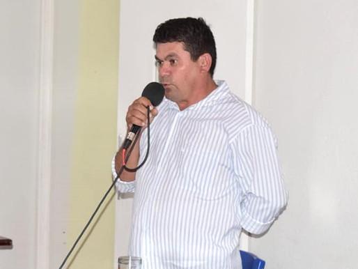VEREADOR DE ITATIRA EM SESSÃO DA CÂMARA PEDE LANCHE PARA PARLAMENTARES