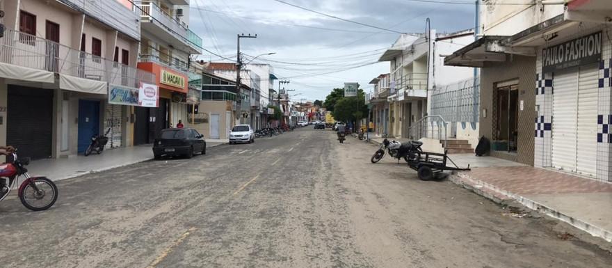 A PEDIDO DO MPCE POLÍCIA MILITAR INTENSIFICA FISCALIZAÇÃO NO CUMPRIMENTO DO DECRETO EM MADALENA