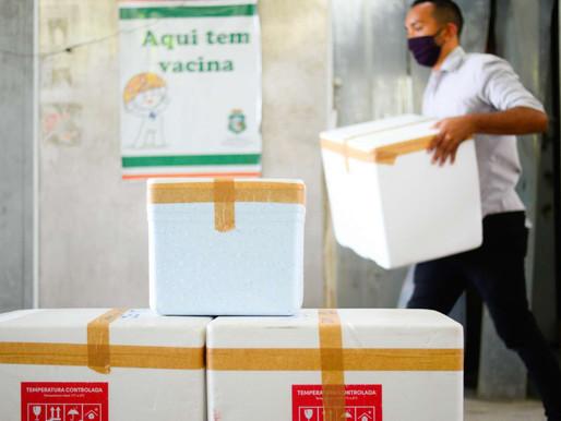 SEGUNDO LOTE DE VACINAS CONTRA A COVID-19 COMEÇA A SER DISTRIBUÍDO AOS MUNICÍPIOS CEARENSES