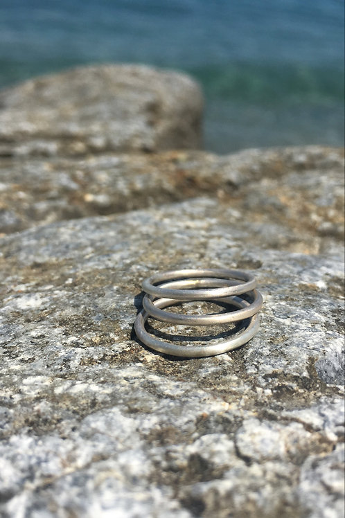 THREE CYCLADES EXIS RINGS