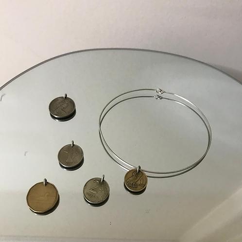 COIN EXIS NECKLACE