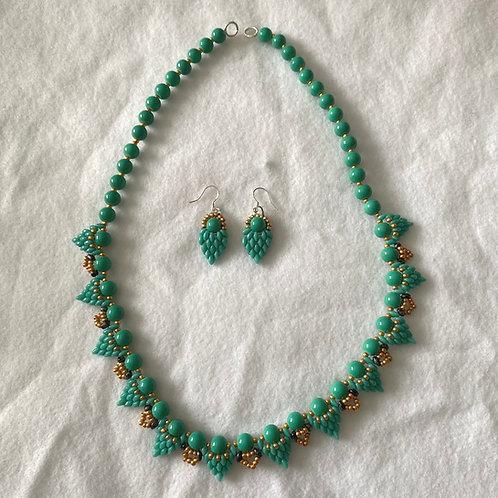 Gajos de Uvas Necklace & Earrings Set