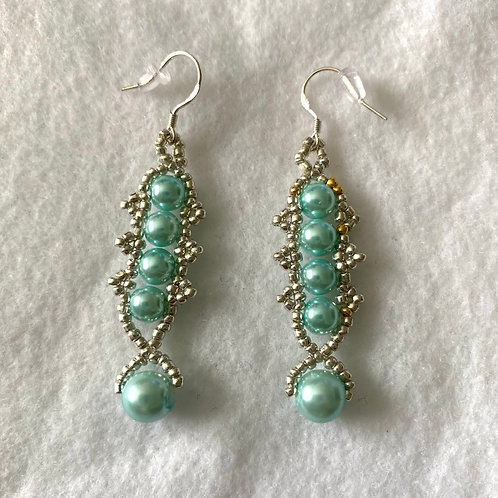 Fish Tail Pearl Earrings