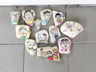 石を使って絵を描きました。