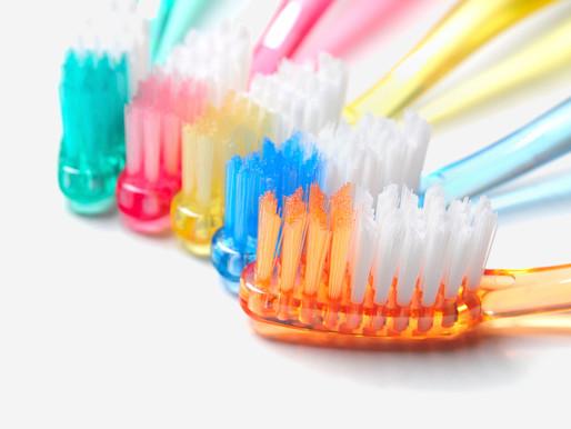 Разнообразие щеток для чистки зубов