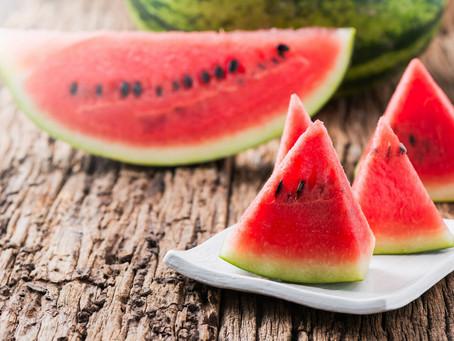 Летние фрукты и ягоды: выбираем арбуз