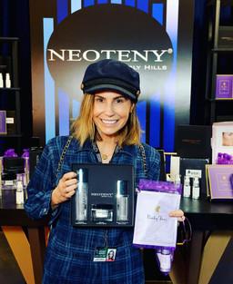 Neoteny Grammys Dr. LawtNeoteny, Grammys, Grammy giftting lounge, Grammys gift bag, Dr. Lawton Tangn