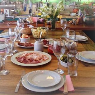 הנקניקיות של אלן טלמור | אלזס שרקוטרי | נקניקיות שף | סדנאות נקניקיות