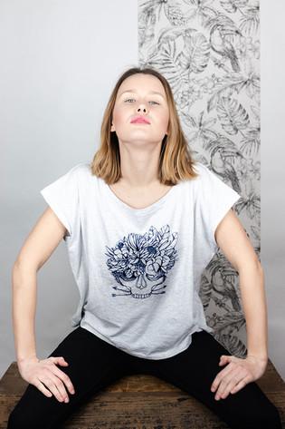 indigène-attitude-tshirt-blanc-graphique