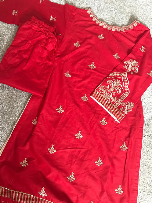 2-piece embroidered cotton suit ( size 30)