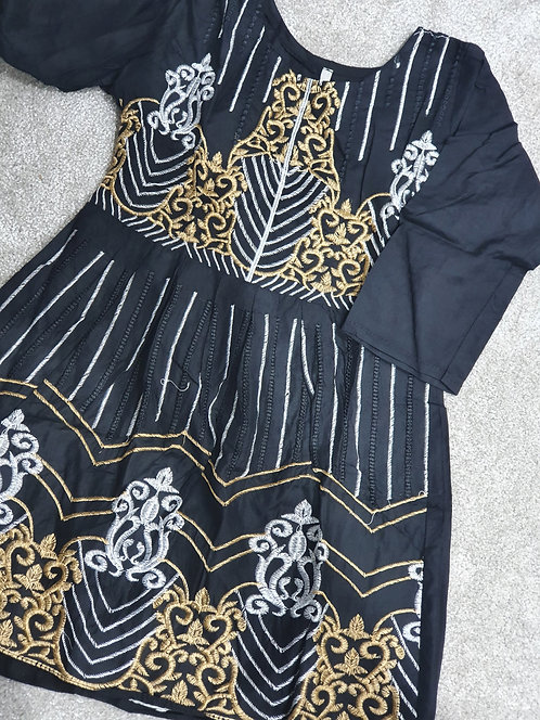Black/white/gold kurta embroidered