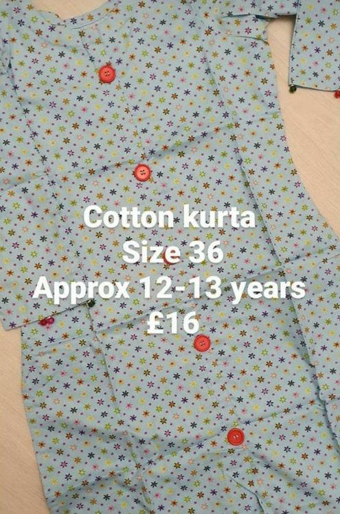 Buttoned cotton kurta