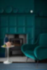 Pots de peinture Farrow and Ball - Ton sur Ton Tours Peinture Tours, Ton sur Ton, décoration Tours, Farrow and ball Tours, Peinture murale,  Little Greene Tours, Papiers peints Farrow and ball et little Greene, Couleurs, ambiance, choix couleurs tours , Ton sur Ton décoration, pots échantillons farrow and ball tours, Pots echantillons little Greene, Peinture verte bleueambiance, peinture pour meuble tours, peinture pour sol tours, peinture plafond tours, peinture métale tours, peinture bois tours , peinture exterieure tours,peinture ecologique chambre d enfant tours , ton sur ton peinture interieure et exterieure, peinture 0 COV, peinture sans odeur tours, peinture ecologique tours, conseils ton sur ton Mid Azure Green_Living Room.jpg