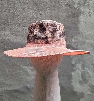 Hat F