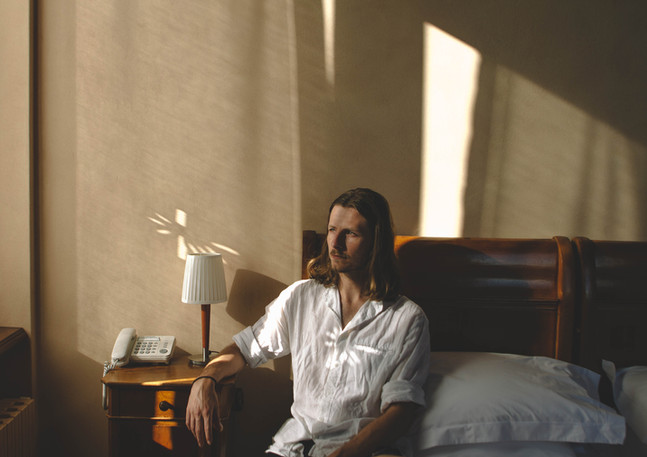 James Booth-Jones - Écrivain